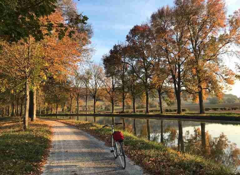 Burgundy est Belle: Why Autumn is Perfect Here